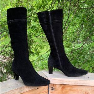 La Canadiene Blk sueded leather 8.5M calf hi boot